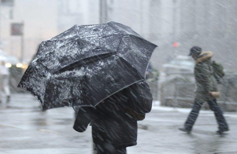 Cотрудники экстренных служб предупредили воронежцев оснегопаде светром до20 м/с