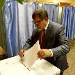 Поиздержался: Аркадий Пономарев отобьет затраты на выборы за счет избирателей-покупателей