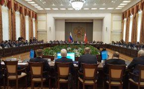 И так достаточно!: Дмитрий Рогозин на конференции в Воронеже заявил о сокращении военных госзаказов
