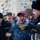 Он не лает, не кусается: В Воронеже суд решил не наказывать оппозиционера за «укус» «молодогвардейца»