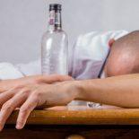 Без пьяного угара: В Воронежской области стали реже умирать от отравления алкоголем